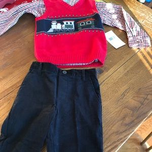 Brand new 4T adorable 3 piece outfit- trains